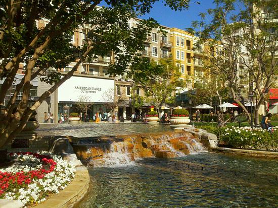 Mall-Americana-Glendale.jpg